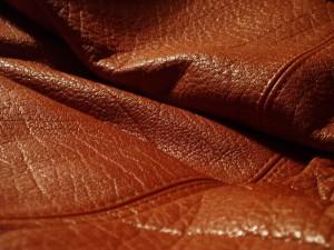 استفاده از رزین اکریلیکی در تکمیل چرم